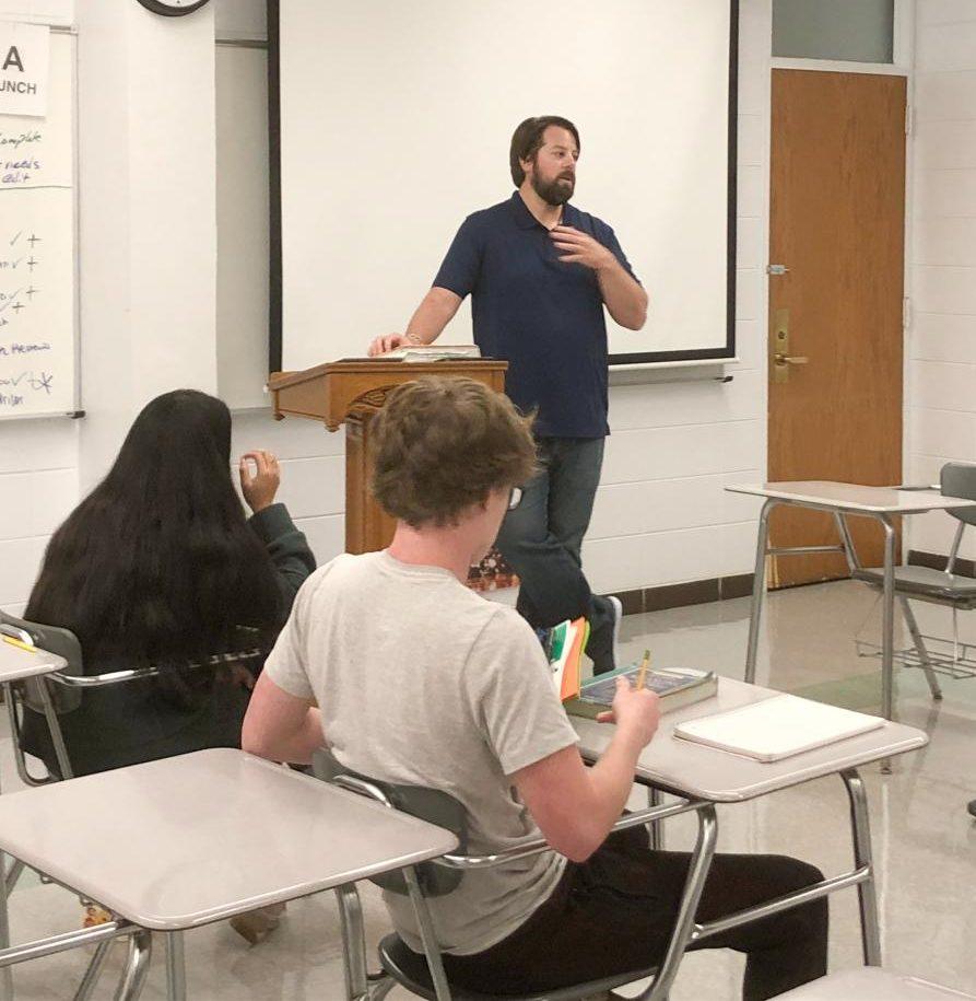 EP Alum Joe Heden speaks to Journalism class.